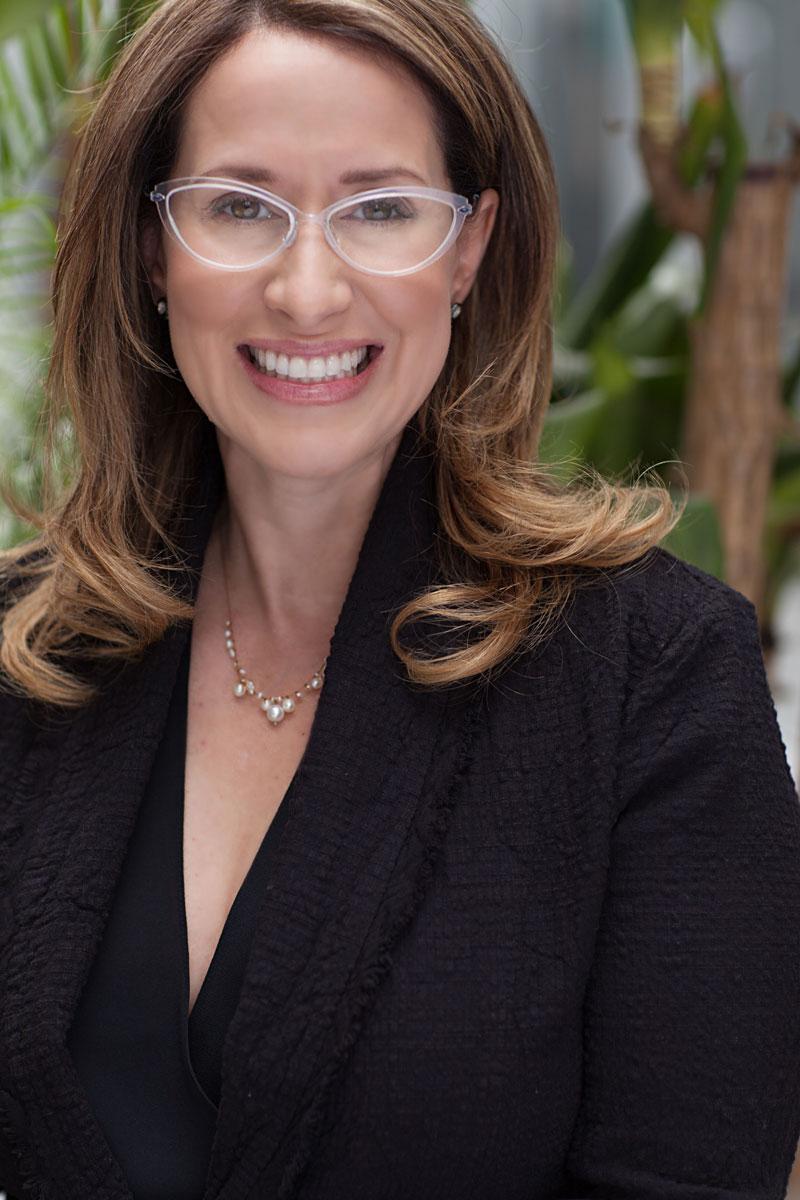 Holly-Pearlman-Psychotherapist